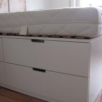"""""""Ikea-Hochbett"""" mit viel Stauraum"""