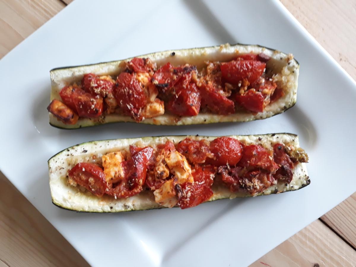Kleine Zucchini-Schiffchen