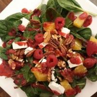 Fruchtiger Blattspinat-Salat